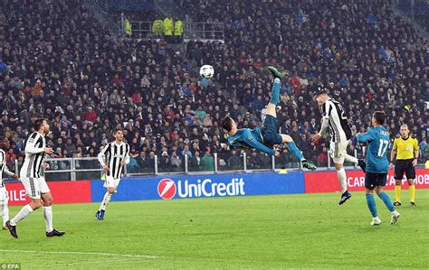 ronaldo juventus applause juventus 0 3 real madrid cristiano ronaldo nets overhead kick daily mail