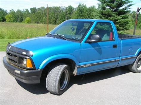 how does cars work 1995 chevrolet s10 seat position control olbluesledneck 1995 chevrolet s10 regular cab specs photos modification info at cardomain