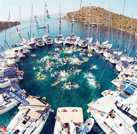 houseboat greece 22 best hot babes and boats images on pinterest boats