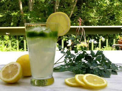 Parsley Lemon Detox by This Magic Drink Made From Parsley And Lemons Reducing