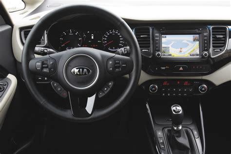 kia carens al volante listino kia carens prezzo scheda tecnica consumi