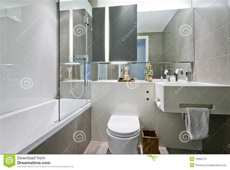 best bathroom fittings company in india cuarto de ba 241 o de lujo con la decoraci 243 n india foto de