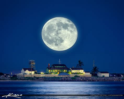 what house is the moon in full moon rising over the house of refuge stuart florida