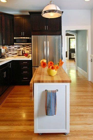 kitchen island for small kitchen 25 best small kitchen islands ideas on small