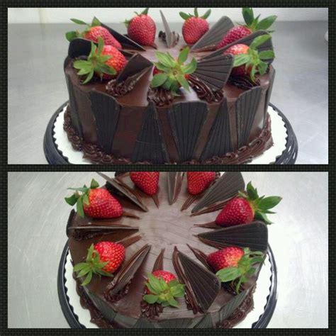 Chocolate Fudge Cake Decoration by Strawberry Topped Chocolate Fudge Cake Cake Decorations