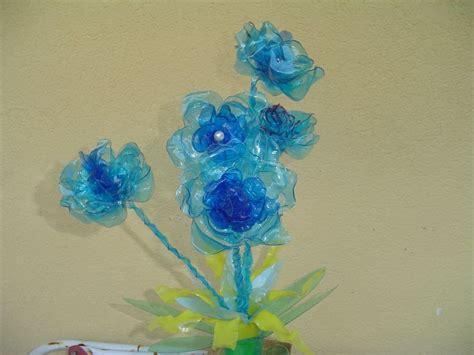 fiore di plastica oltre 25 fantastiche idee su fiori con bottiglie di