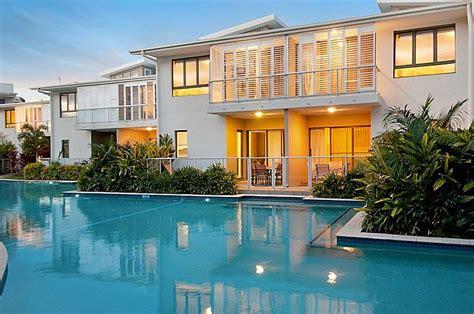 kit homes sunshine coast accommodation hotfrog australia sand dunes beach house accommodation coolum sunshine