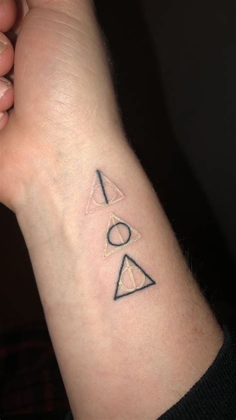 harry tattoos best 25 deathly hallows ideas on