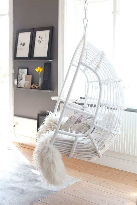 Hanging Reading Chair by Best 20 Hanging Egg Chair Ideas On Cocoon
