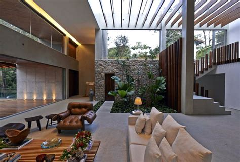 650 Square Feet To Meters by Tropical Garden Residence In Brazil Interiorzine