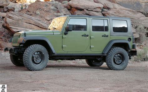 jeep j8 off road live chrysler group llc reveals moparized