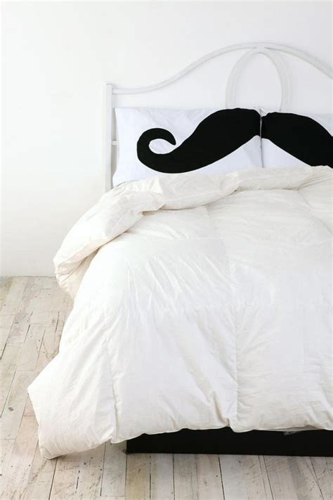 Mustache Bedroom by 21 Pillowcase Designs For An Entertaining Bedroom D 233 Cor
