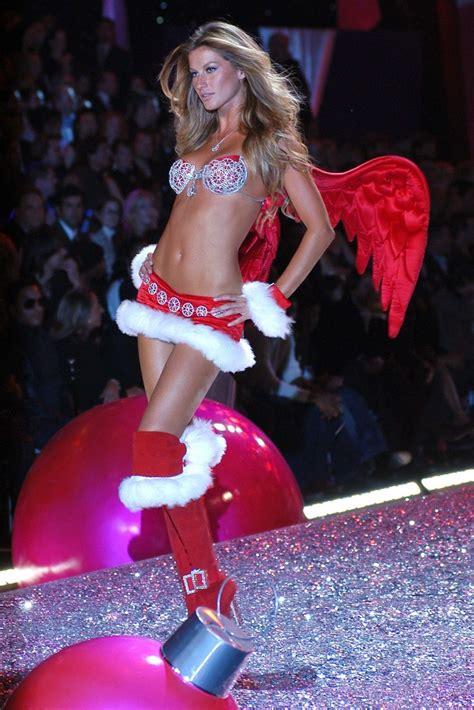 Gisele Bundchen Turns In Wings by Gisele B 252 Ndchen S Secret Fashion Show 2005
