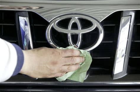 How To Clean Vomit From Car Upholstery by Remove Vomit From Car Interior