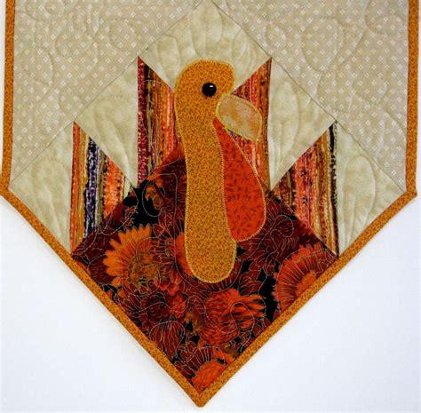 thanksgiving table runner quilt patterns quilted thanksgiving table runners turkey quilted table