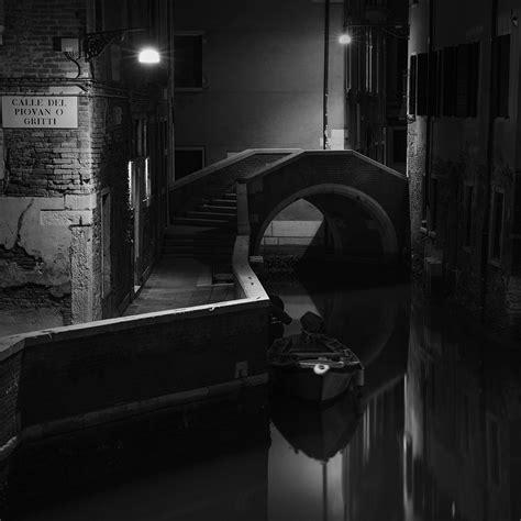 Venice Black why photograph venice in black and white arttravarttrav