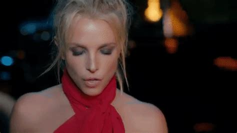 Where Did Mannequin Challenge Come From britney spears buon compleanno 10 gif che ci ricordano