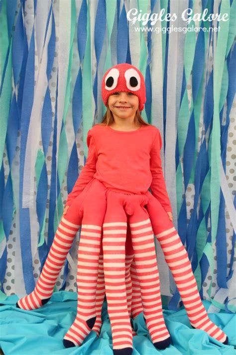 In Handmade Costume - diy octopus costume