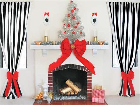 modern christmas themes ideas modern christmas decorating themes hgtv