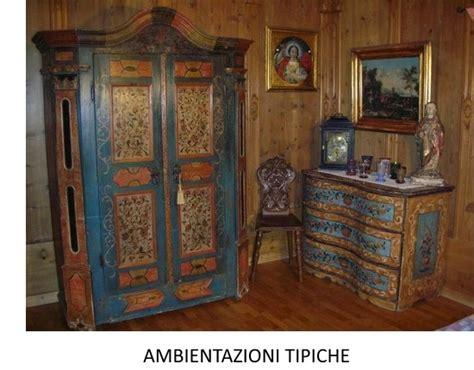 armadi tirolesi antichi mobili antichi tirolesi mobili dipinti mobili rustici