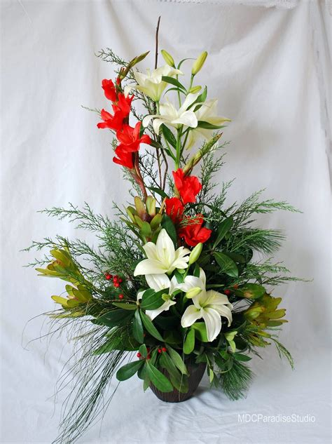 images of christmas flower arrangements paradise floral studio christmas flower arrangements