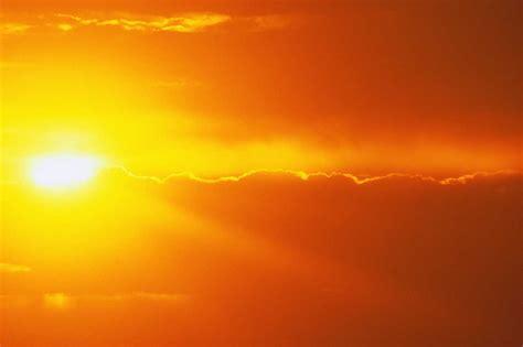 solar eclipse  burn  eyes  sun