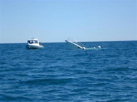 sinking fishing boat videos sinking boat fishing fishwrecked fishing wa