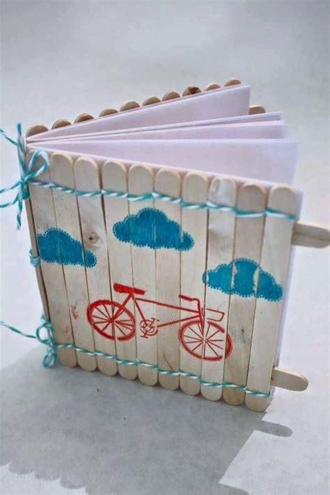canastas de palitos madera de colores manualidades con palitos de madera 4 decoracion de