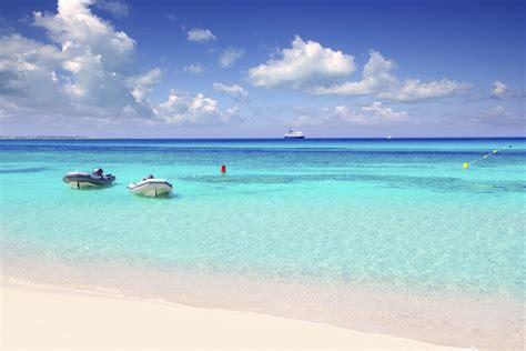 most famous beach in the world formentera str 228 nde sehensw 252 rdigkeiten und reisehinweise
