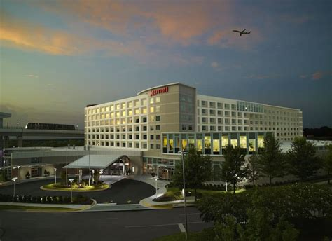 atlanta airport hotels with free parking book atlanta airport marriott gateway in college park