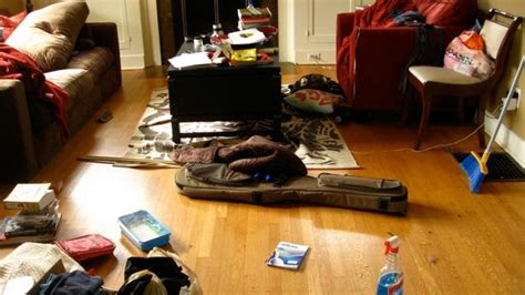 what can fill a room but takes no space spruce up a room in no time with the speed decluttering
