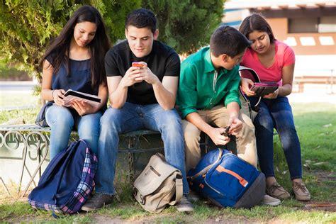 imagenes de adolescentes usando redes sociales por la tecnolog 237 a hay j 243 venes con enfermedades de