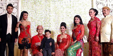 Elthof Qory Merah Galeri Photoshot Kapanlagi