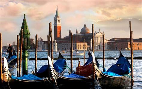 best gondola ride in venice classic venetian gondola tour