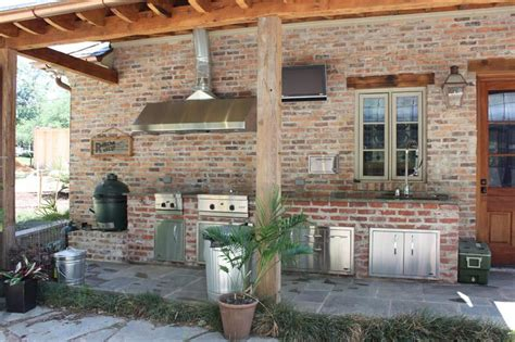 outdoor kitchen exhaust hoods grilling in the great outdoors essential ideas for your