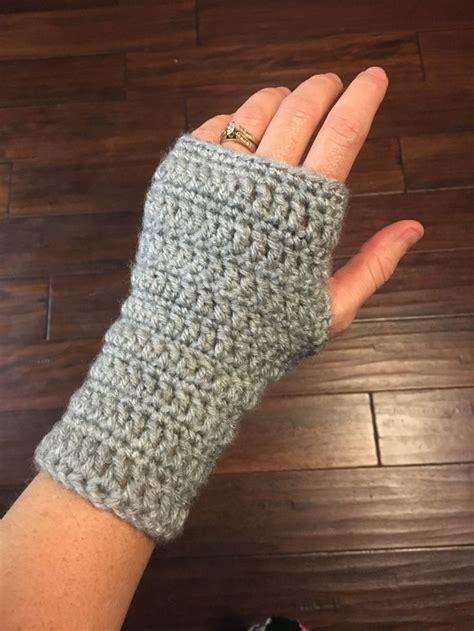 crochet gloves 930 best crochet armwarmers gloves mittens wristlets