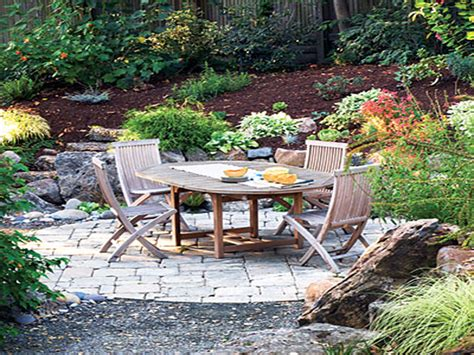Backyard Patio Design by Backyard Patio Ideas