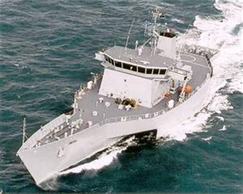 qinetiq trimaran paxman history pages diesel electric marine propulsion