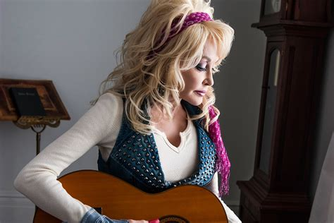 does dolly parton have tattoos does paint go bad does dolly parton tattoos