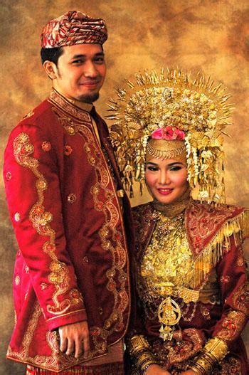 nefi aprillah pakaian adat indonesia