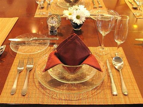formal table setting for a dinner tips
