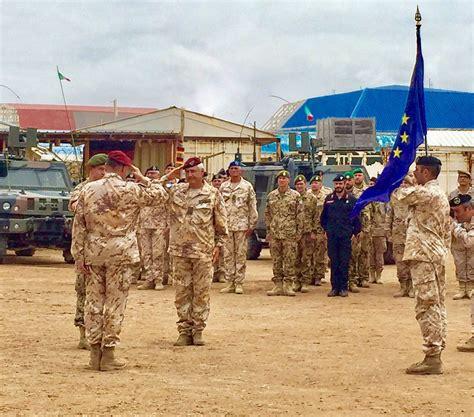 maurizio morena generale cerimonia di passaggio di consegne del commando eutm s