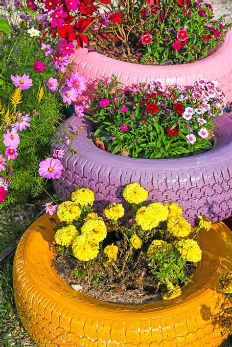 Tire Planters Garden by 29 Flower Tire Planter Ideas For Your Yard And Home