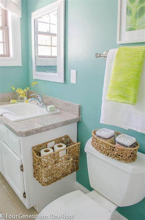 Aqua Colored Bathroom Accessories 25 Best Ideas About Aqua Bathroom On Aqua Gray Bedroom Coral Aqua And Navy Coral Rooms