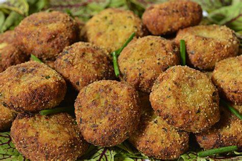 fiori di zucchine fritte ricetta polpette di zucchine ricette di buttalapasta