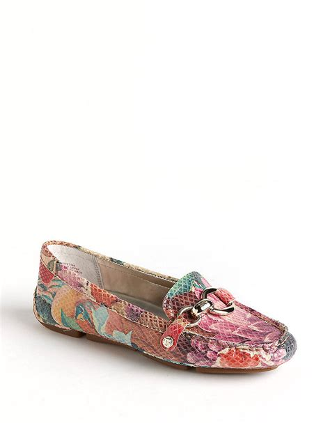 Shsb01 Pink Slip On Shoes Cantik klein yetta printed leather loafers in pink lyst