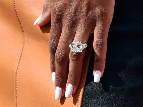 ciara show s engagement ring at las vegas performance with