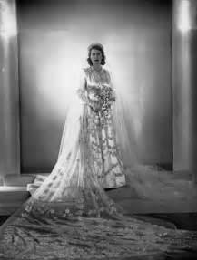 hochzeitskleid queen 1028 besten queen elizabeth ii bilder auf pinterest