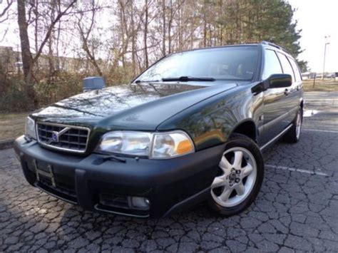 buy   volvo  cross country wagon se awd  leather roof clean