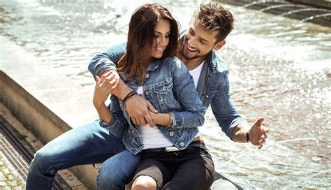 12 Sizzling Foreplay Tips To Try On Your Right Now by 12 Essential Flirting Tips Every Needs To